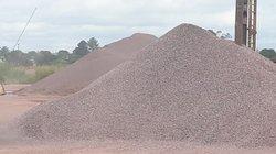 Gravier industriel et caillasse de briques
