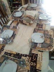 Nappe de table en wax et set plastifié