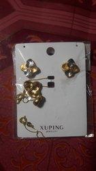 Ensemble boucles d'oreilles - chaînette et médailles