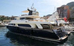 Bateaux  Yacht   2012