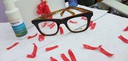 Confection des lunettes médicales
