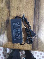 Chargeur PC - lampe - tounevis