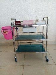 Chariot porte instruments de soins à deux plateaux