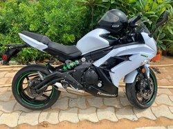 Moto Kawasaki 650 2008