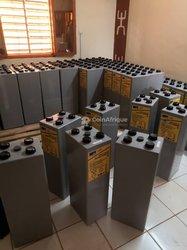 Batteries 2V