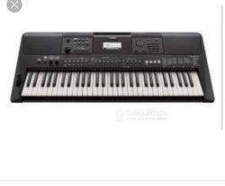 Piano Yamaha PSR E450