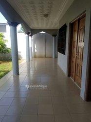 Location villa de 5 pièces - Baguida
