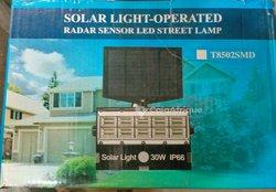Lampadaires solaires automatiques