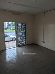 Location boutique - Rond-Point Bodjona