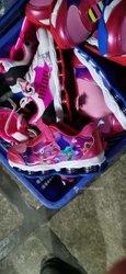 Chaussures neuves pour enfants