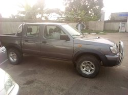 Location Nissan Pick-up  double cabine