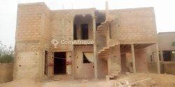 Construction de bâtiments et décoration d'intérieur et d'extérieur