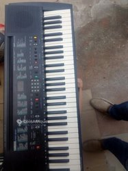 Piano Yamaha PSR 300