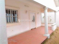 Location villas 5 pièces - Baguida lome