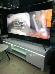 """Table avec lumière LED  -  smart TV  65"""""""