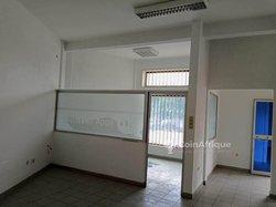 Location Bureau Hall des arts - Cotonou