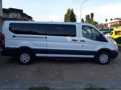 Location minibus Ford
