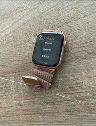 Montre connectée Apple Watch Série 4