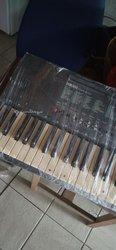 Piano Yamaha 5 Octaves