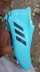 Godasses Adidas