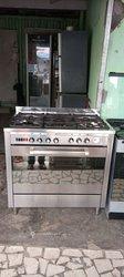 Cuisinière 5 foyers à gaz