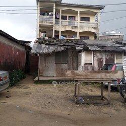 Vente Immeuble r+2 - Akwa