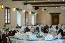 Service de décoration d'intérieur pour réception et service traiteur