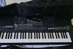 Piano Yamaha PSR 463