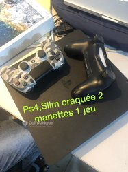 PlayStation 4 slim craquée - 02 manettes