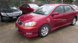 Location - Toyota Corolla rouge
