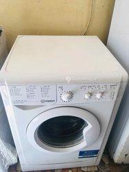 Machine à laver 9kg Indesit