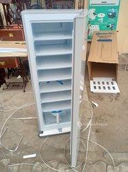 Congélateur vertical néon 240 litres