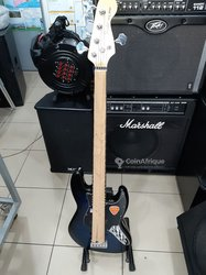 Guitare basse Fender - 5 cordes professionnelles
