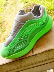 Chaussures V8
