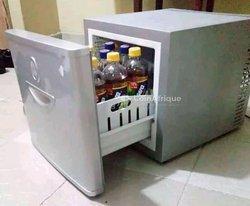 Mini Réfrigérateur + Télévision plasma + Mini climatiseur