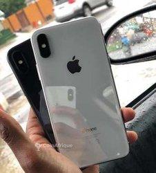 Apple iPhone X - 64Go