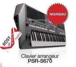 Piano Yamaha PSR-S670