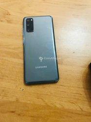 Samsung Galaxy S20 et  A21s