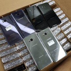 Samsung Galaxy S8+ 64go - iPhone 7+ - 32go