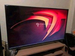 "TV Samsung 32"" Inchise"