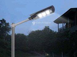 Lampadaire solaire 90W à commande
