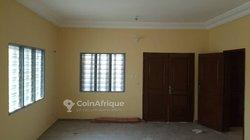 Appartement 3 chambres salon sanitaire à Godomey