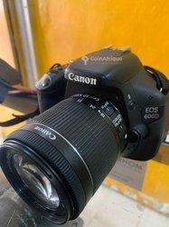 Canon EOS 600d + objectif Canon 18-55mm