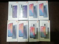 Xiaomi Redmi Note et Huawei Y8S