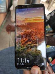Huawei P Smart et P10