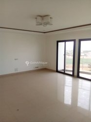 Location bureaux 400 m² - Point E