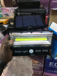 Lampadaire solaire rechargeable