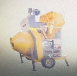 Bétonnière à chargeur hydraulique