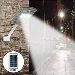 Lampadaire et projecteur solaire
