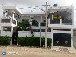 Vente immeuble R+1 -Fidjrosse Cotonou